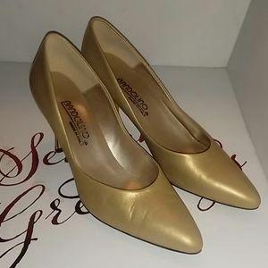 Bandolino Gold high heel sz 81/2 N